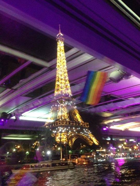 Gay Paris Eiffel